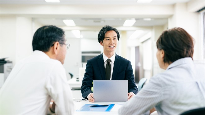 できる営業マンの特徴や共通点とは?人事教育や採用時に見抜くポイントを紹介
