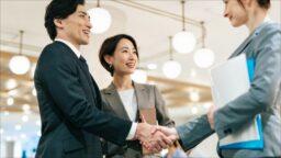 事業譲渡とは?売り手と借り手のメリットとデメリットや手続き方法を解説
